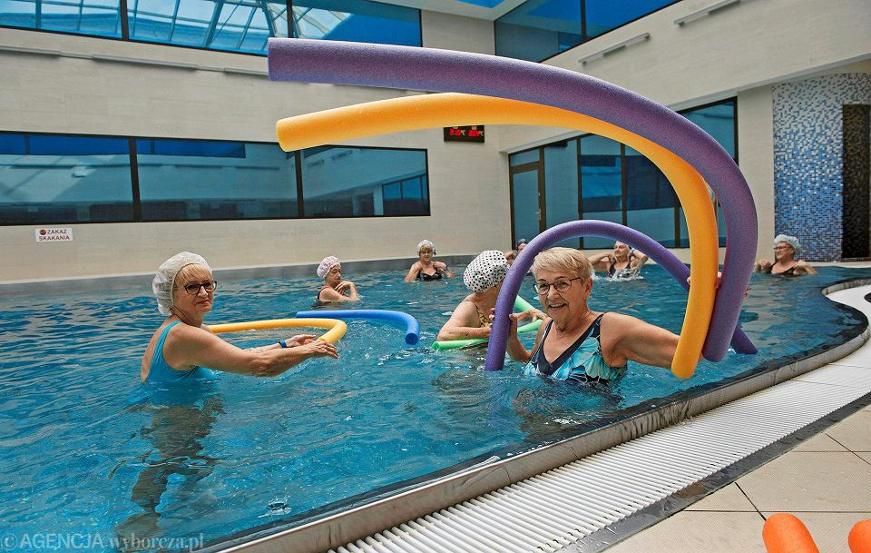 Katowickie Welonki to nieformalna grupa przyjaciółek, które czas wolny spędzają na basenie
