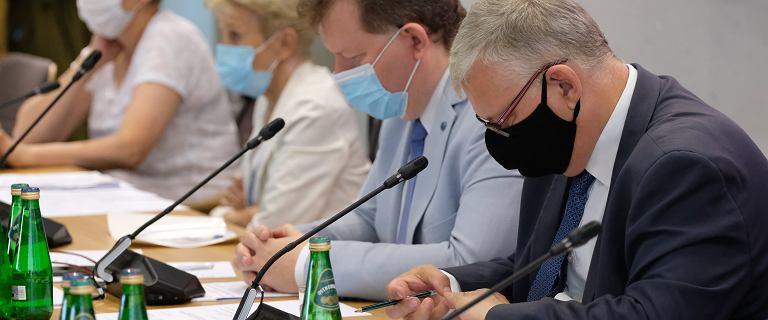 """Komisja przyjęła projekt """"lex TVN"""". Zgoda tylko na poprawkę Kukiz'15"""