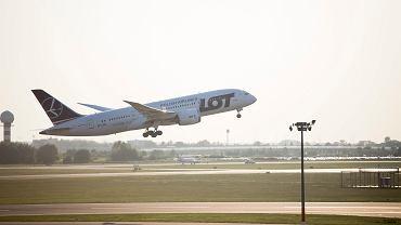 Polskie Linie Lotnicze LOT zanotowały spory spadek w rankingu punktualności