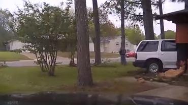 Samochód wjechał w dom, popsuł gazociąg i spowodował wybuch