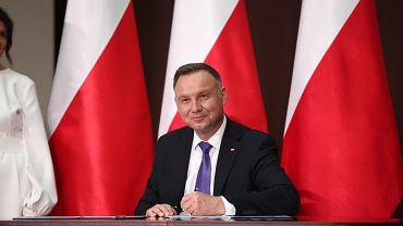 Andrzej Duda podpisał ustawę o m.in. 40-procentowej podwyżce dla prezydenta