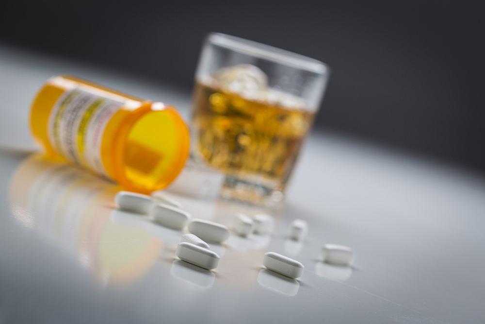 Esperal wywołuje skutki uboczne w przypadku spożywania alkoholu
