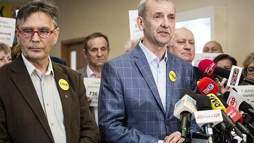 Prezes ZNP Sławomir Broniarz podczas konferencji. Drugi dzień ogólnopolskiego strajku nauczycieli. Warszawa, 9 kwietnia 2019