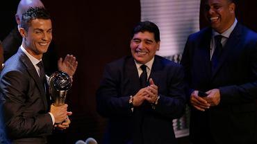 Ronaldo obiera nagrodę