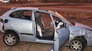 Tragiczny wypadek na Lubelszczyźnie. Dachował seat, wszyscy wypadli z pojazdu