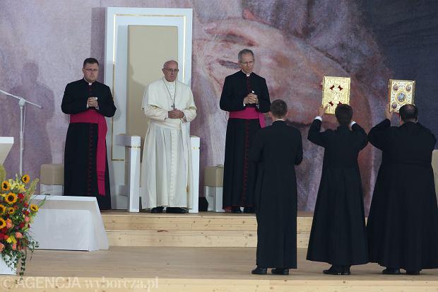 """Franciszek na Błoniach: spotykam młodych, którzy są przedwczesnymi """"emerytami"""" [CAŁE WYSTĄPIENIE]"""