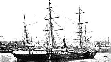 Trójmasztowy bark 'Jeannette' w Hawrze (1878 r.) tuż przed rejsem do San Francisco. Przed wyprawą na biegun północny statek był aż trzykrotnie modernizowany, także w stoczni w Hawrze.