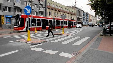 Częstochowa, 11 lipca 2018 r. Wysepka na przejściu dla pieszych w al. Kościuszki