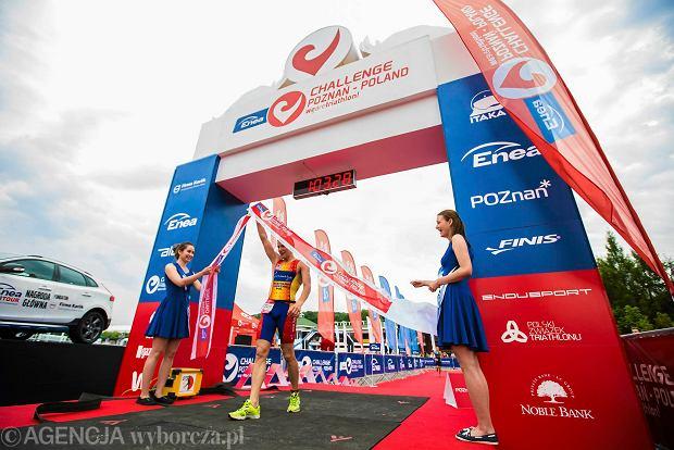 25.07.2015 Poznan. Enea Challenge Poznan - Poland w are triathlon nad Poznanskim jeziorem Malta  . Fot. Lukasz Ogrodowczyk \ Agencja Gazeta  SLOWA KLUCZOWE: BIEG BIEGACZE ROWERY triathlon