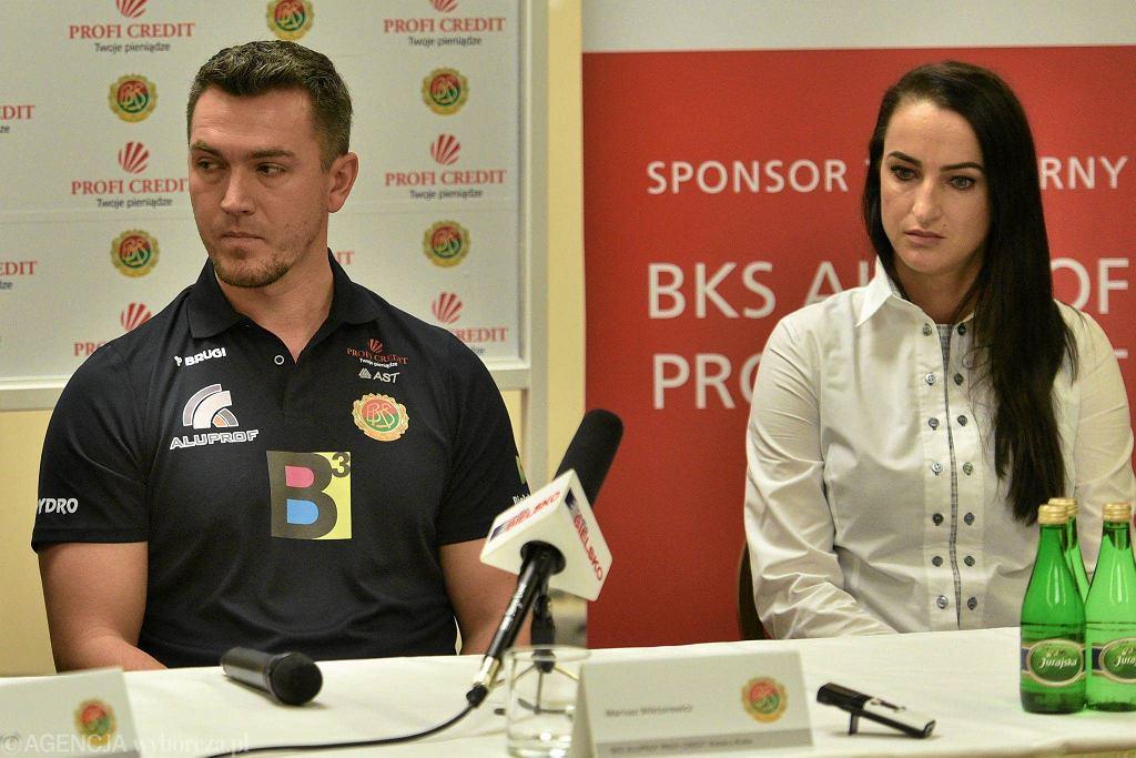 Trener Mariusz Wiktorowicz i kapitan Małgorzata Lis