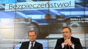 Donald Tusk i Były szef MSW Bartłomiej Sienkiewicz