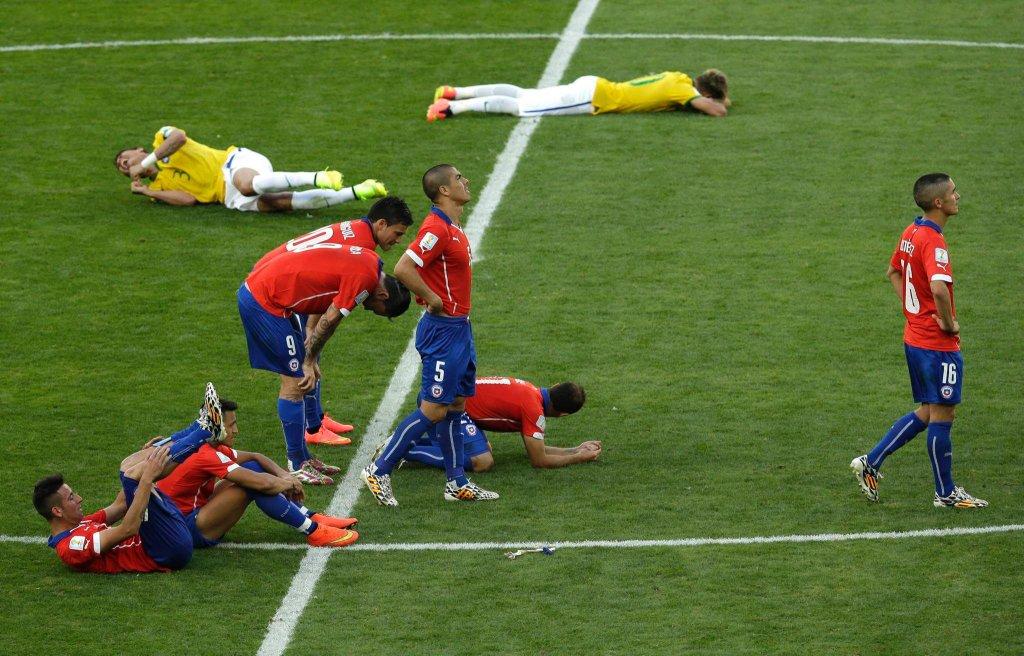 Smutek Chile, radość Brazylii. Gospodarze grają dalej!