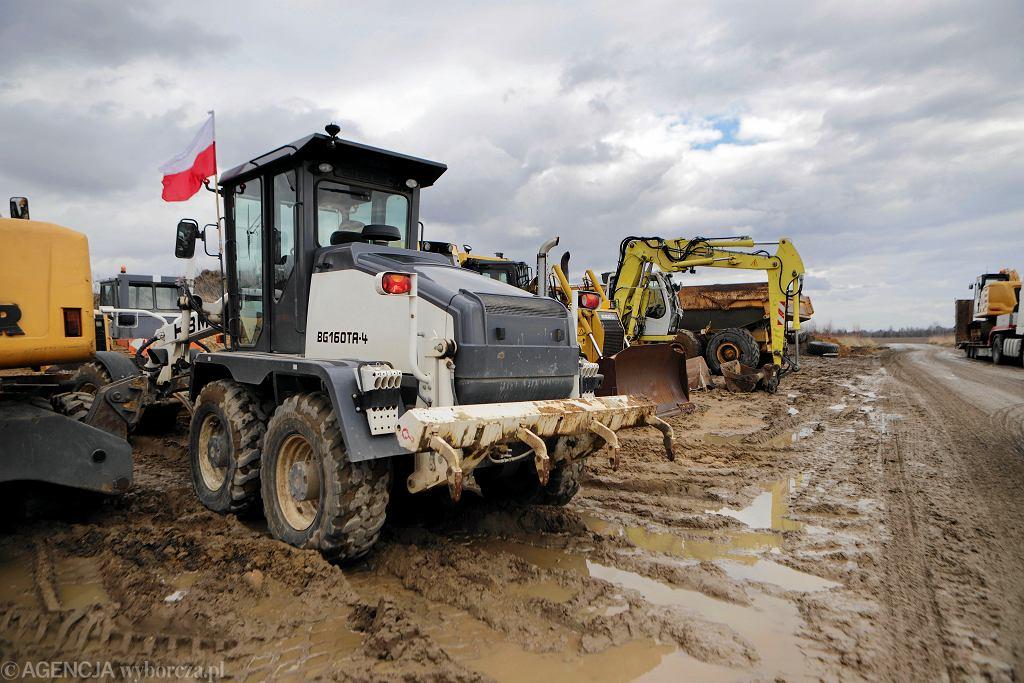 Protest wykonawców budowy odcinka autostrady A1 spowodowany zaległościami płatniczymi, Rząsawy kolo Częstochowy 15.03.2019