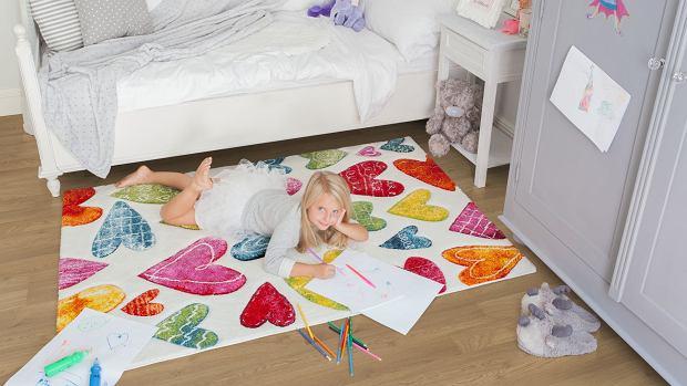 Dywan Komfort jak barwna ilustracja wykonana pastelami