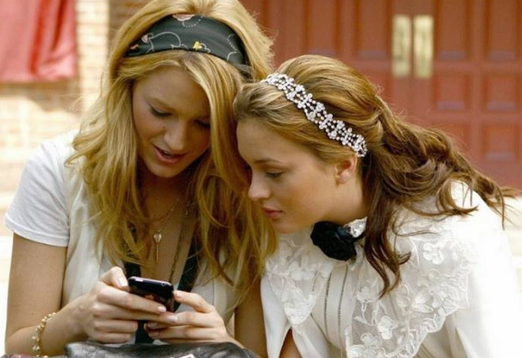 Blake Lively i Leighton Meester w serialu 'Plotkara'