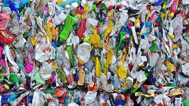 Produkty pakowane w plastik będą droższe. Od stycznia nowy podatek