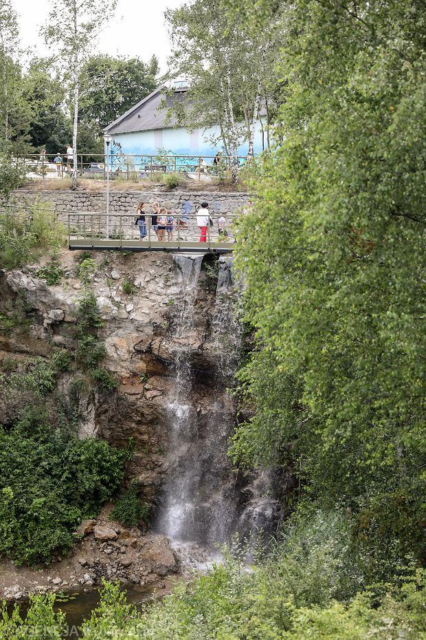 Zdjęcie numer 8 w galerii - Woda znów płynie po skałach Kadzielni, uruchomiono wodospad [ZDJĘCIA]