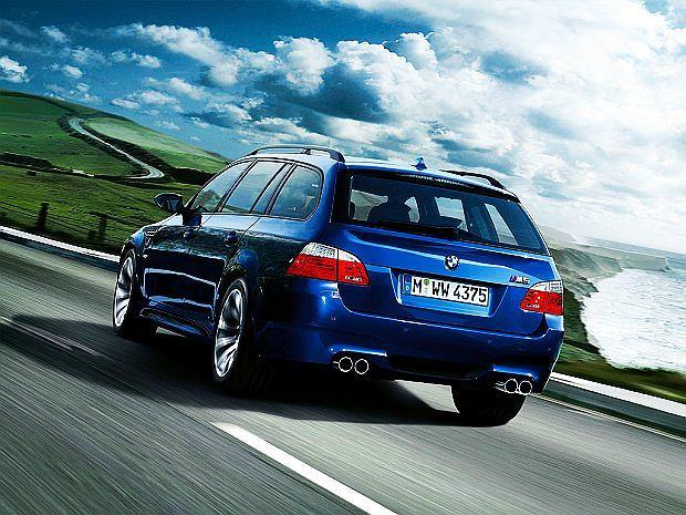 M5 touring to konkurent takich aut jak Audi RS6 Avant czy Mercedes-Benz E63 AMG kombi