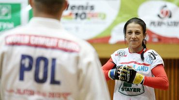 Joanna Jędrzejczyk podczas Mikołajkowego Show Sportowego w hali Urania