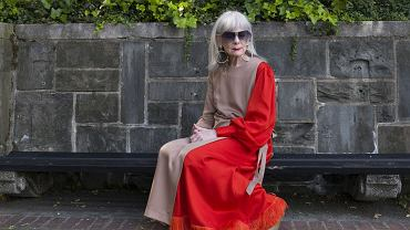 Lyn Slater, 67 lat