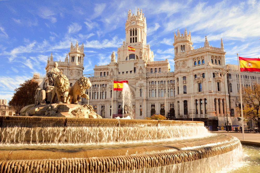 Hiszpania: obostrzenia. Jakie zasady obowiązują podróżujących do Hiszpanii? Zdjęcie ilustracyjne