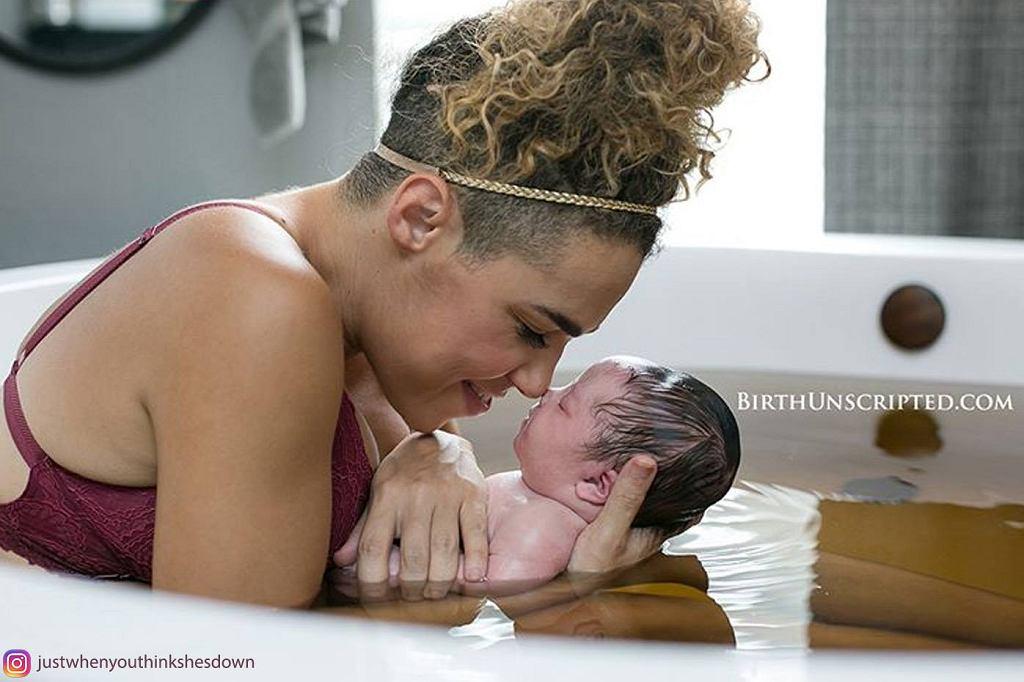 Kiedy zobaczyła swoją córeczkę od razu ją pokochała.
