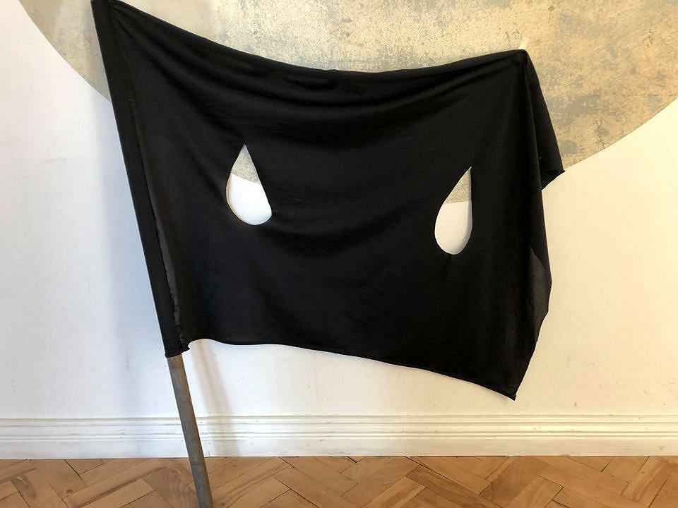 Flaga Laury Paweli / Marsz 100 Flag