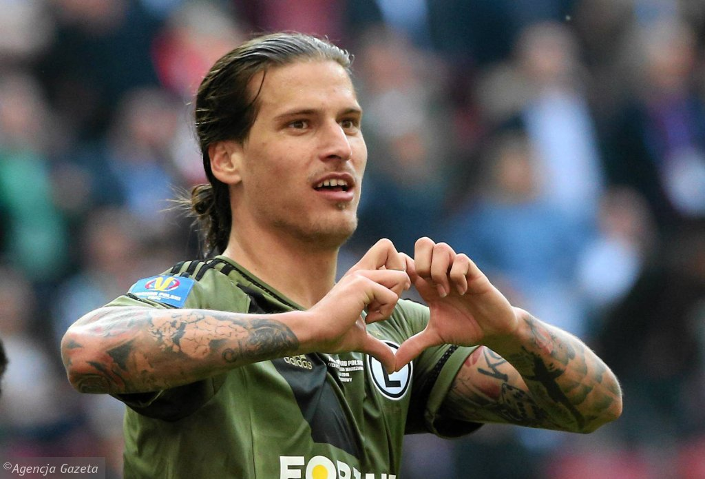Legia raz jeszcze zarobi na Aleksandarze Pirjoviciu