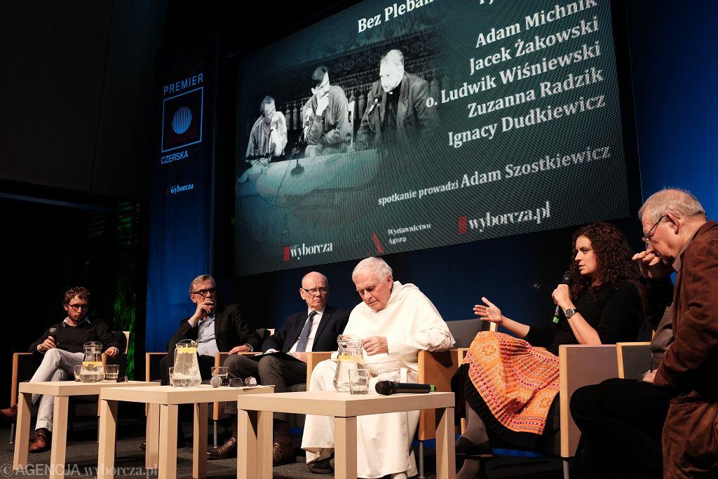 Spotkanie  Bez plebana - Adam Michnik i jego goście  w Warszawie