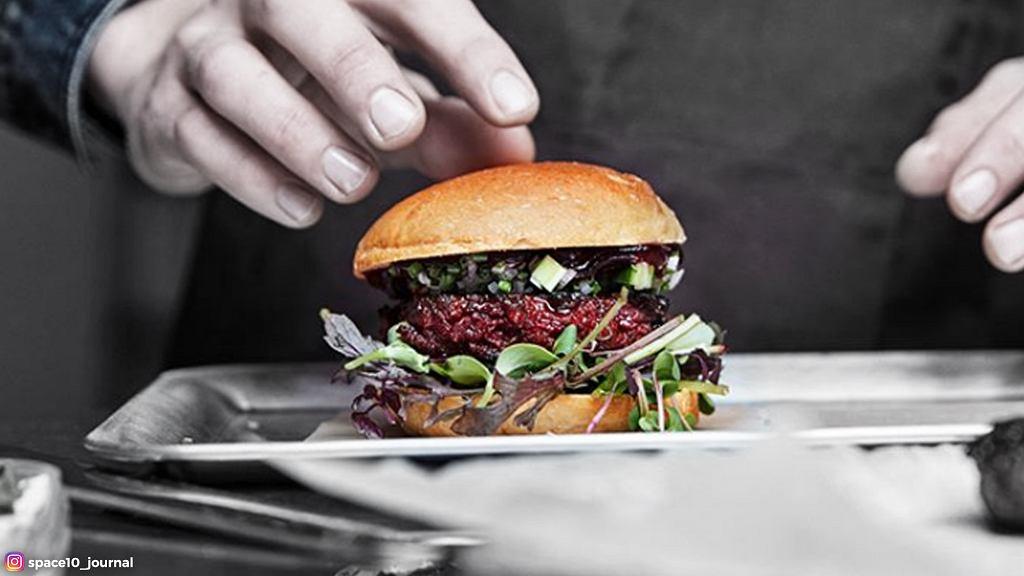 IKEA opracowała przepis na burgery z kotletem 'robaczanym' zamiast tradycyjnej wołowiny