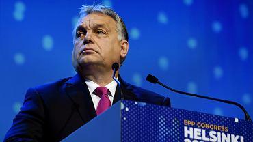 Orbán na listopadowym kongresie Europejskiej Partii Ludowej w Helsinkach. Jego celem jest zmiana układu sił w europarlamencie po majowych wyborach