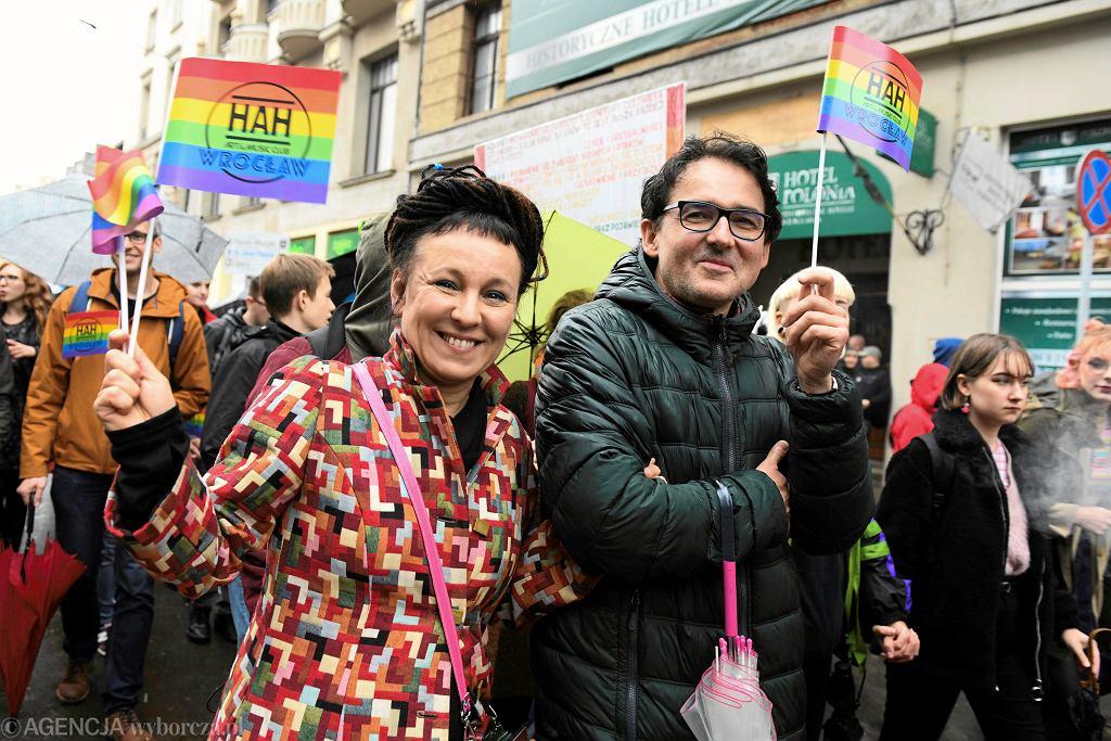 .05.10.2019 Wrocław . Pisarka Olga Tokarczuk podczas Wrocławskiego Marszu Równości 2019 .