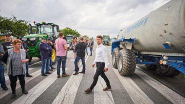 4.08.2021. Protest rolników na DK12 (Rękoraj, powiat piotrkowski)
