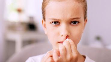 Jak zatamować krwawienie z nosa u dziecka?