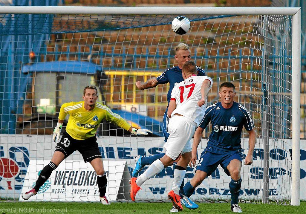Ruch Chorzów znowu zagra w europejskich pucharach. Na zdjęciu kadr z meczu z 2012, gdy niebiescy mierzyli się z Viktorią Pilzno