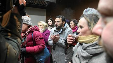 Atak na kebab we Wrocławiu. Podczas spotkania w lokalu mieszkańcy wyrazili solidarność z Egipcjaninem