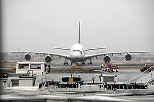 Nie opłaca się już produkować samolotów gigantów. Airbus rezygnuje ze swoich dwupokładowych jumbo jetów