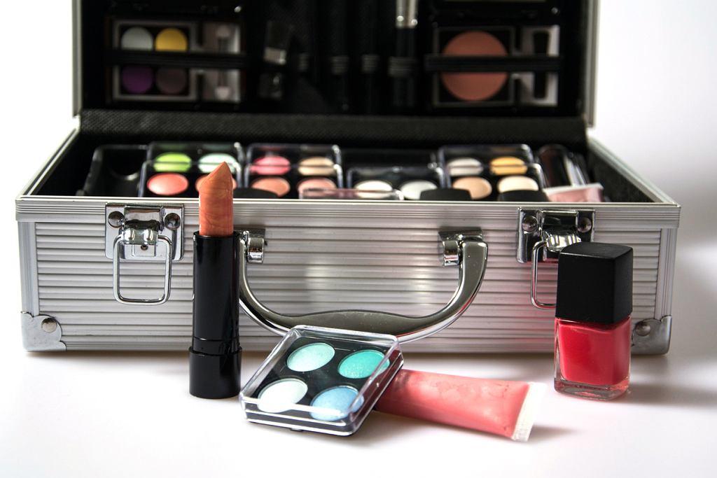 Kuferek na kosmetyki