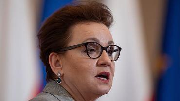Minister edukacji Anna Zalewska: Rząd nie zapomniał o nauczycielach