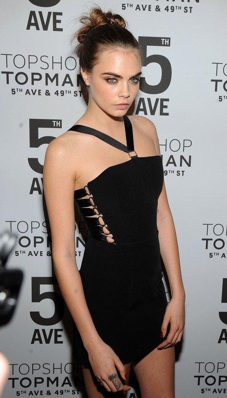 Cara Delevingne w sukience Topshop