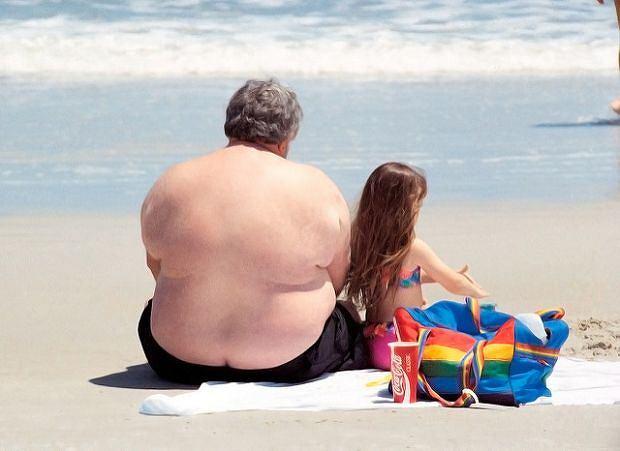 Epidemia otyłości w Polsce. Późne rodzicielstwo sprzyja refleksji - po zabawie z dzieckiem nieraz ciężko wstać
