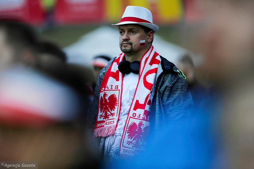 Polska-Kolumbia. Fani w strefie kibica