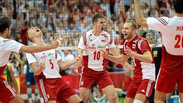 Polscy siatkarze świętują zdobycie złotego medalu mistrzostw świata