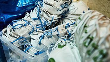 Maseczki ochronne FFP2 - zapas zgromadzony na oddzialae zakaźnym szpitala im. Marii Konopnickiej w Zgierzu, 29 października 2020
