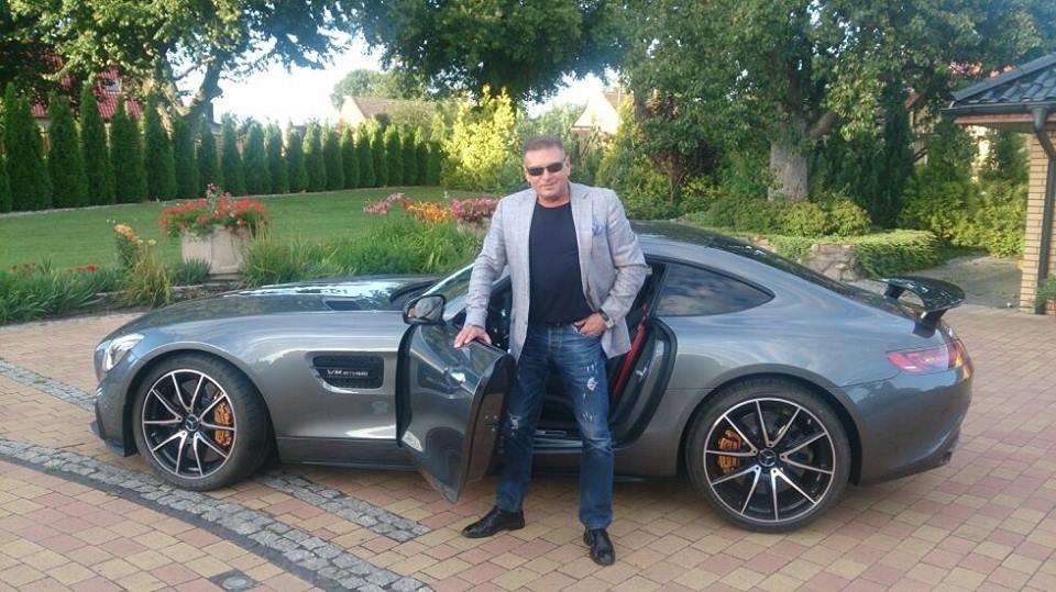 fot. Facebook | Detektyw Rutkowski i jego nowe auto