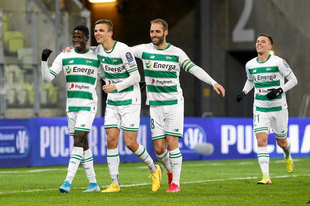 Piłkarze Lechii po niemal dwumiesięcznej przerwie wreszcie będa mogli trenować wspólnie