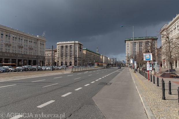 Puste ulice stolicy w czasie epidemii Koronawirusa .