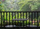 Stolik na balkon, który przyda się na beztroskie leniuchowanie na powietrzu