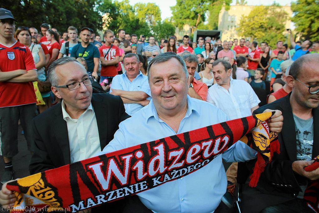 Tłumy kibiców wzięły udział w prezentacji nowej drużyny Widzewa, która odbyła się na dziedzińcu Zespołu Szkół Salezjańskich w Łodzi