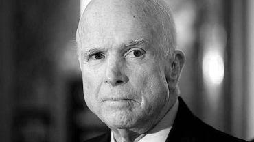 John McCain nie żyje. Amerykański senator miał 81 lat